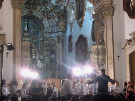 A Orquestra na Igreja. Foto por Felipe Bianchi.